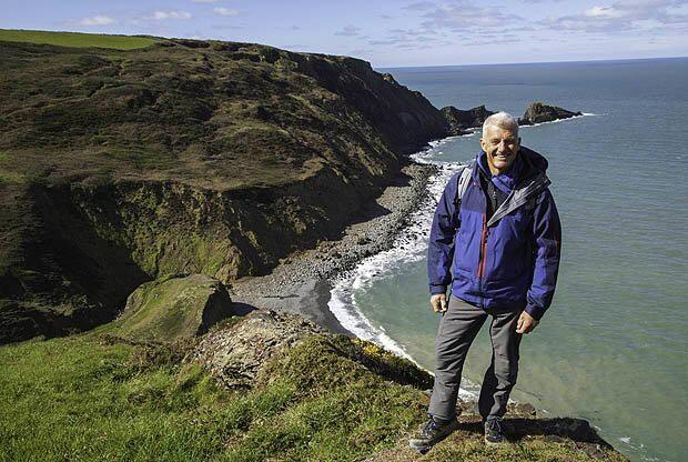 28: Paul Rose on his South West Coast Path TV series, Mary-Ann Ochota on her new book and Gary Holpin on his SWCP book.