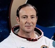 19: Edgar Mitchell-Apollo 14 Moon Landing/Aliens
