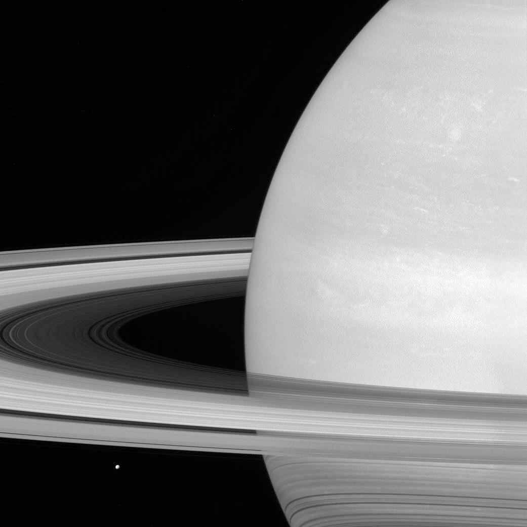 cassini spacecraft pictures of saturn - 650×650