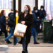 SHOPPER WITH MASK