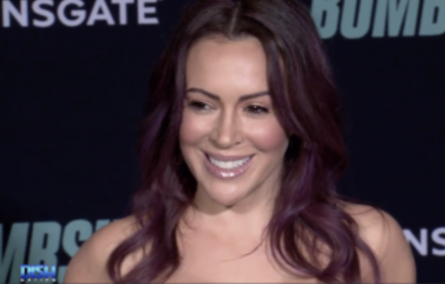 """222: 07/06/21 - Alyssa Milano Shows A Social Media Troll 'Who's The Boss'—Tells Them To F*** Off After Calling Her A """"Washed Up"""" Actress"""