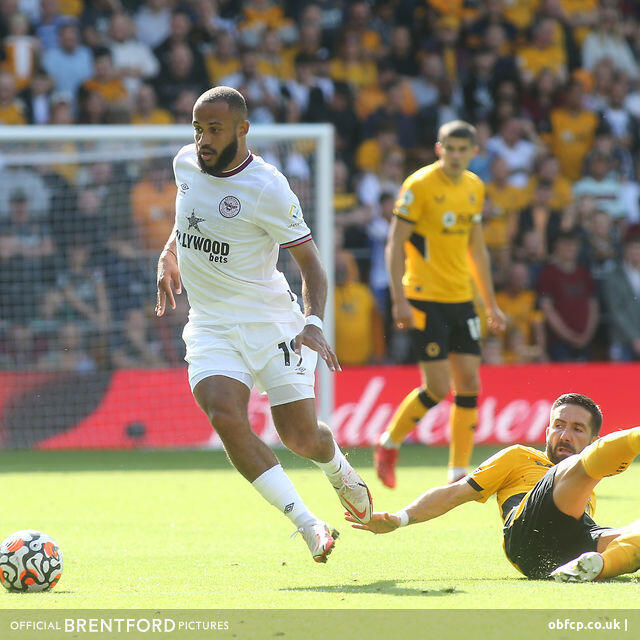 785: Wasteful Wolves Battered by Ten Man Brentford - Beesotted Weekend Review PLUS Oldham Preview