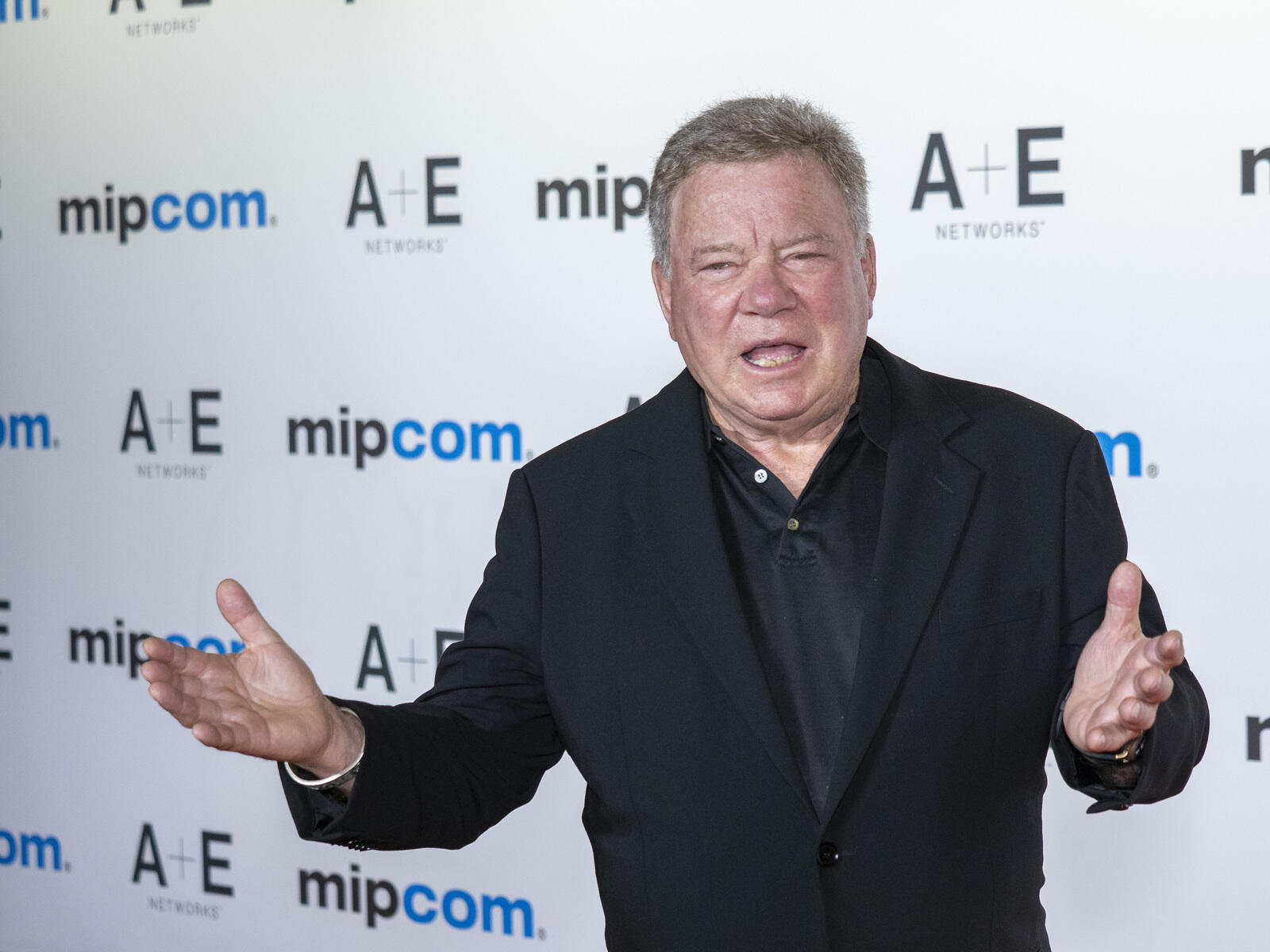 29: 10/14/21 - William Shatner Goes Full Captain Kirk & Rockets To Space With Blue Origin