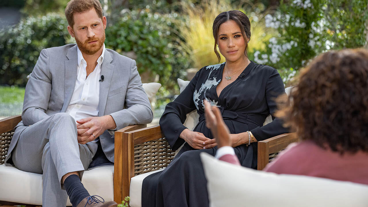33: 10/20/21 - Meghan Markle's Estranged Father, Thomas Markle, Begs To See His Grandkids: 'She Should Start Talking To Me'